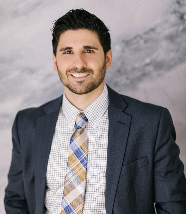 Dr. Robert E. Breisch, Jr., DDS